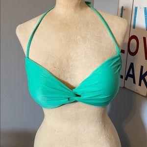 Padded twist bikini top